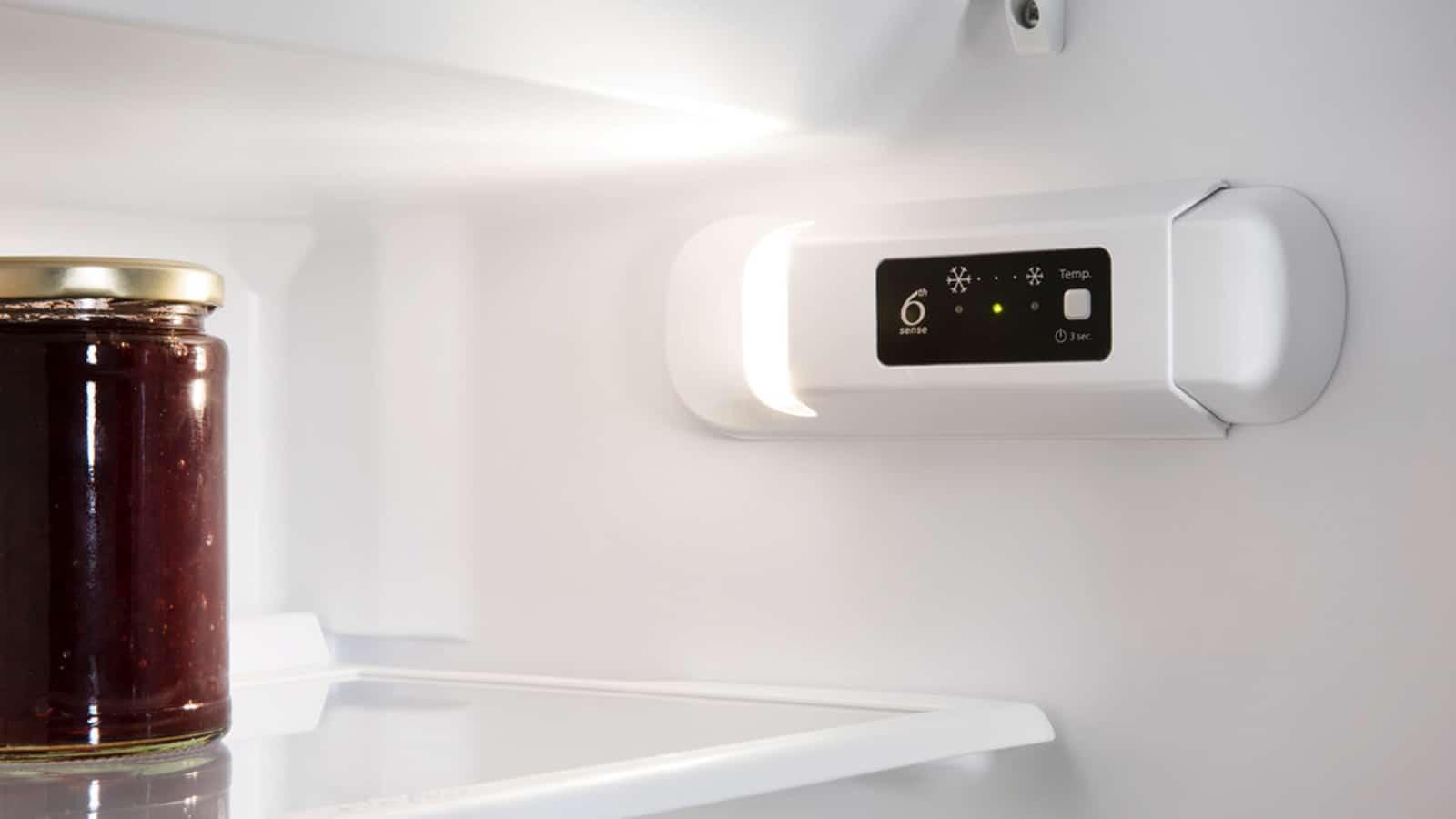 Whirlpool-Built-In-Fridge-ARG-7191_A+_1-a